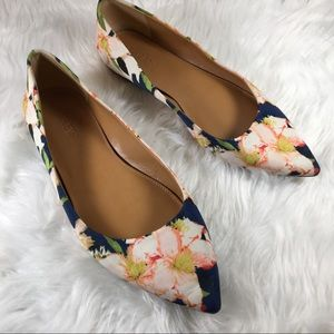 J Crew Floral Pointed Toe Fabric Flats Size 7